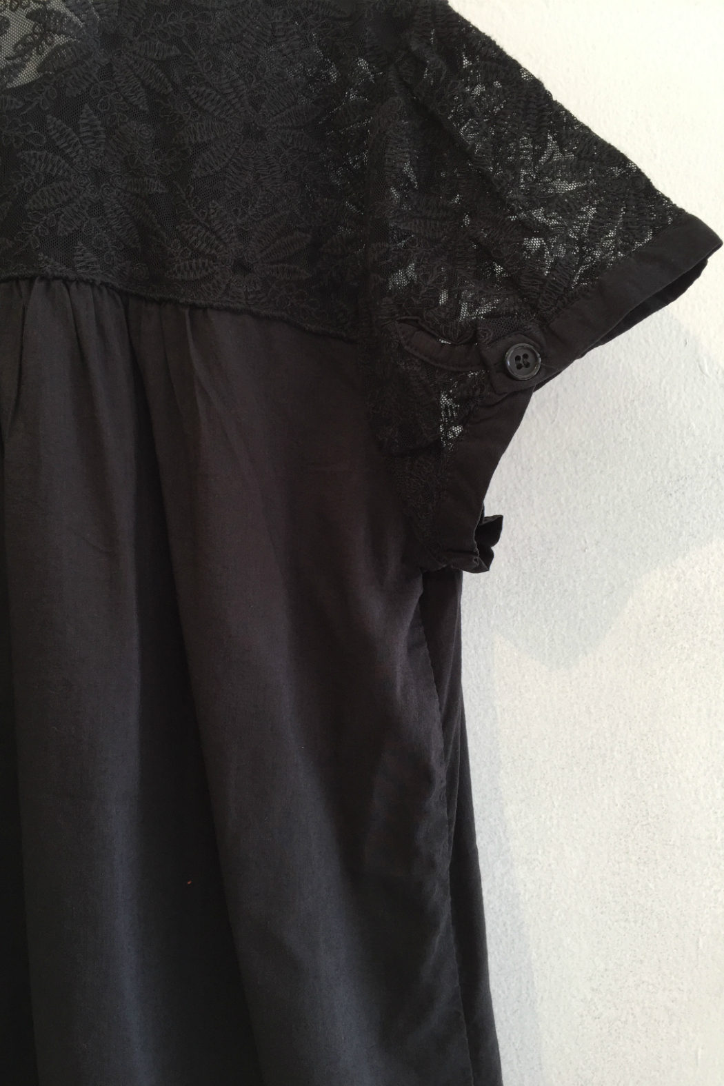 teri02-black-lace