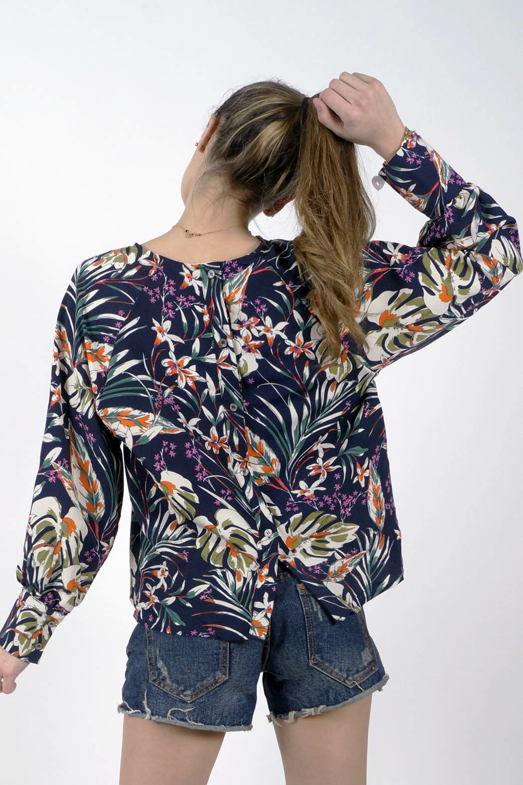 tmary01 floral back